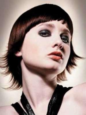 Актуальные стрижки средней длины для тонких волос