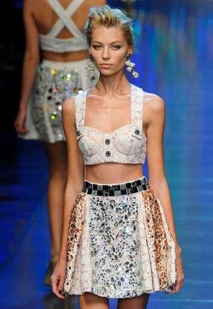Декорированная одежда и аксессуары - модный летний тренд 2012