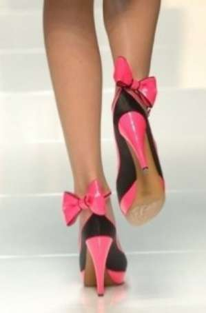 Как ходить на каблуках правильно?