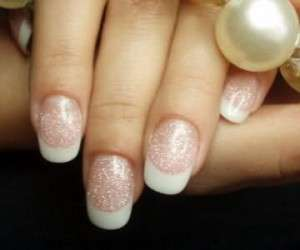 Нарощенные ногти: вред или польза?
