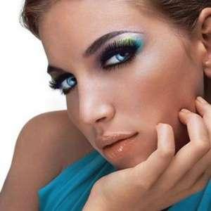 Как сделать стойкий макияж?