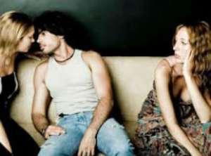 Повод для вашей ревности - это подруга мужа Нужно ли быть ее подругой