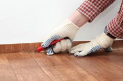 Как правильно уложить линолеум в квартире