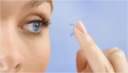 Что нужно знать о косметике пользователям контактных линз?
