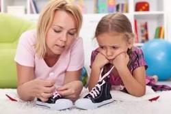 Как научить ребенка самостоятельно завязывать шнурки?