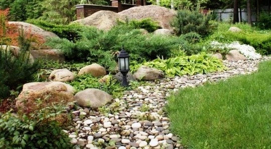 Сад с дикими камнями