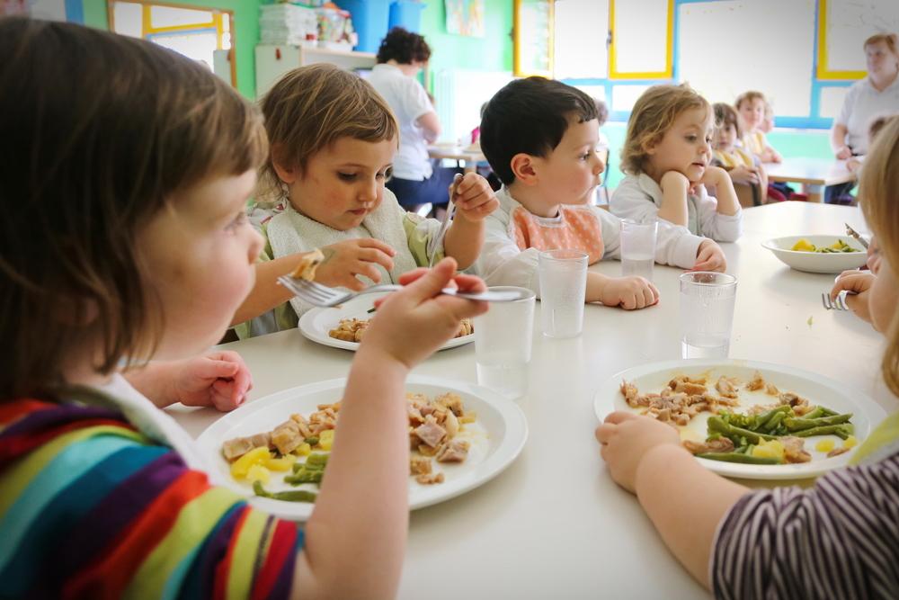 Как кормят детей во Франции